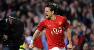 5 players who played for Manchester City and Manchester United