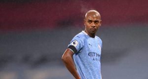 Fernandinho signs one-year contract extension with Man City